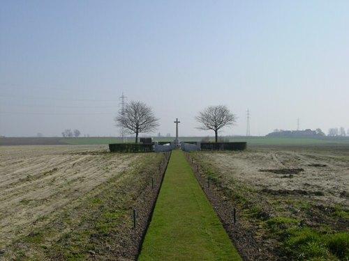 Sint-Jan: Track X Cemetery: ligging