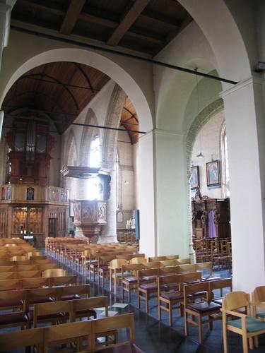 Alveringem St.-Mildredaplein zonder nummer Parochiekerk Sint-Mildreda