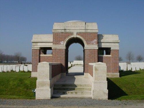 Sint-Jan: New Irish Farm Cemetery: toegang