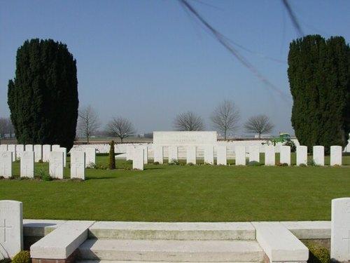 Sint-Jan: New Irish Farm Cemetery: Stone of Remembrance