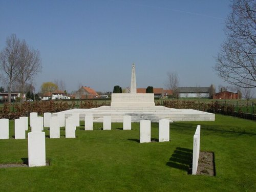 Sint-Jan: Oxford Road Cemetery: Stone of Remembrance
