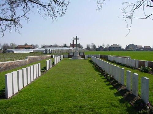 Sint-Jan: Wieltje Farm Cemetery