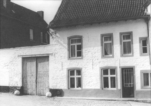 Halle Kazernestraat 6