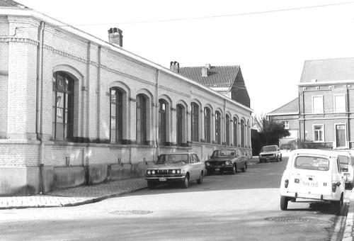 Halle Baron Jacquesstraat, zijstraat van het Oudstrijdersplein