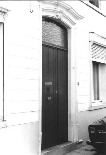 Halle Dekenstraat 5