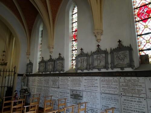 Eeklo Molenstraat zonder nummer Interieur noordzijde van de Heilig Grafkapel
