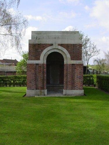 Sint-Jan: La Brique Military Cemetery No 2: schuilhuis