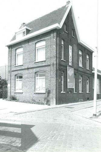 Antwerpen Monnikenhofstraat 25 onderwijzerswoning