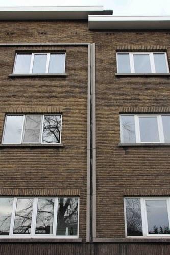 Antwerpen Pol de Montstraat 2-10 omlijsting