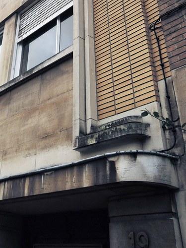 Antwerpen Vlaamsekunstlaan 19 omlijsting bovenbouw