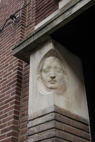 Antwerpen Edgard Casteleinstraat 32 vrouwenhoofd