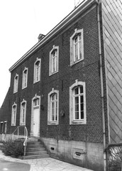 Halen Kerkstraat 10 (https://id.erfgoed.net/afbeeldingen/237910)