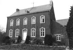 Halen Kerkstraat 10 (https://id.erfgoed.net/afbeeldingen/237911)