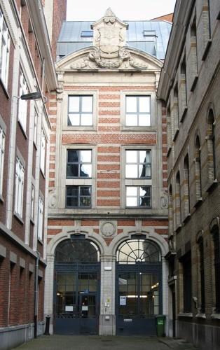 Antwerpen Arenbergstraat 28 gevel Willem Tellstraat