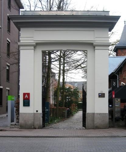 Antwerpen Leopoldstraat 24 poort