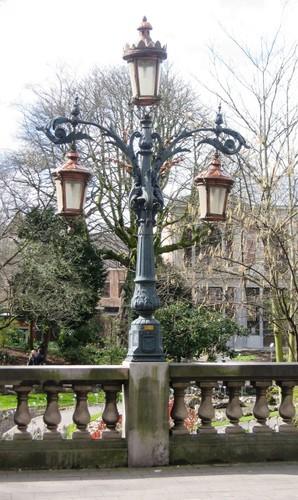 Antwerpen Leopoldstraat 24 lantaarn