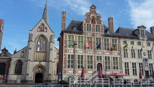 Sint-Niklaas Grote Markt 45-48