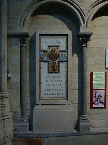 Ieper: kathedraal: gedenkplaat omgekomen Franse militairen