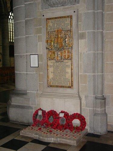 Ieper: Kathedraal: gedenkplaat Commonwealth-doden