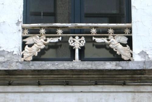 Antwerpen Koninginnestraat 6 parapet