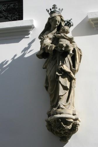 Antwerpen Markgravestraat 17 Mariabeeld