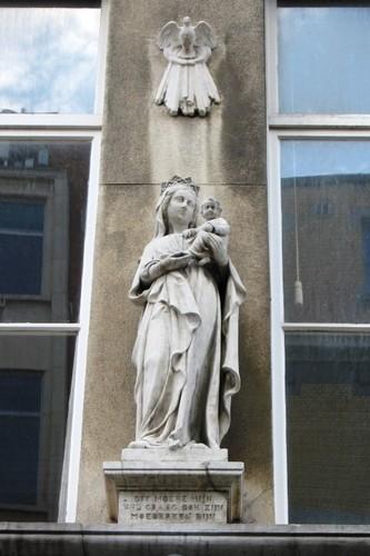 Antwerpen Minderbroedersrui 15 Mariabeeld