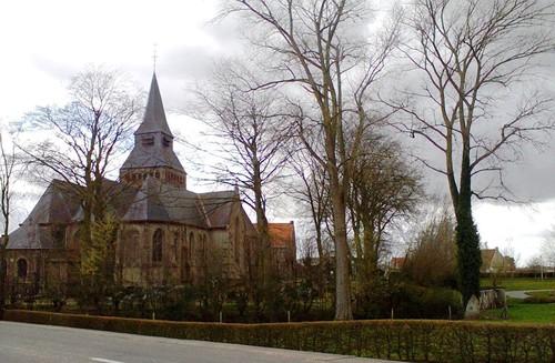 Haringeplein kerk met dorpsgezicht