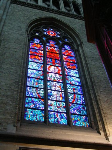 Ieper: kathedraal: paxvenster