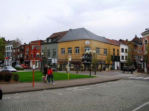 Lokeren stadskern - Stationsplein