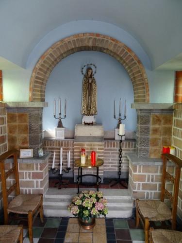 Maldegem Veldekens 103D Interieur van de kapel Onze-Lieve-Vrouw van Fatima
