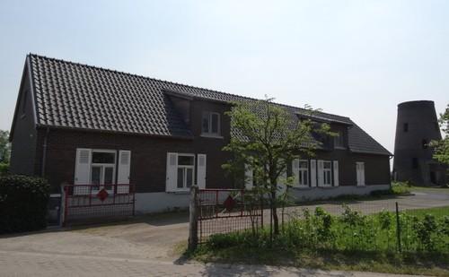 Molenaarswoning en molenromp Baelkes molen
