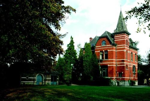 De rond 1910 gebouwde eclectische villa van notaris Velge.
