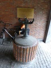 Antwerpen Vleeshuiswijk Sculptuur (https://id.erfgoed.net/afbeeldingen/243754)
