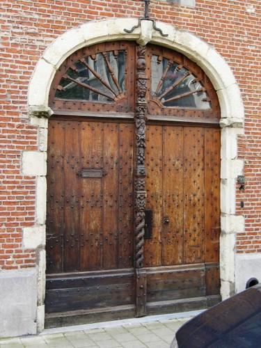 Antwerpen Van Schoonbekestraat 131 poort