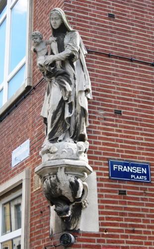 Antwerpen Fransenplaats 1 Madonna