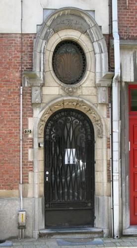 Antwerpen Van Trierstraat 32 portaal