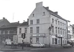 Burgerhuis met Mariabeeld op de hoek