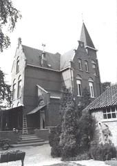 Villa bij jeneverstokerij