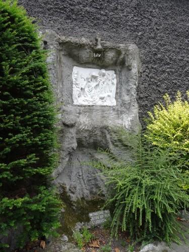 Kortrijk Wandelingstraat 33 Ommegang: Statie IV ONTMOETING VAN JEZUS OP DEN LIJDENSWEG