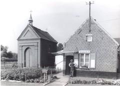 Dorpswoning en Heilig Hartkapel