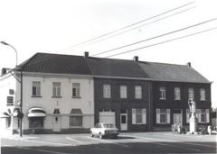 Drie dorpswoningen