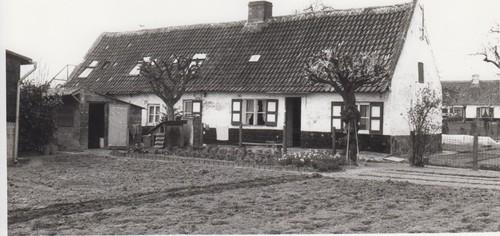 Deinze Bachte-Maria-Leerne Peperstraat 35 (op de achtergrond nummer 33)