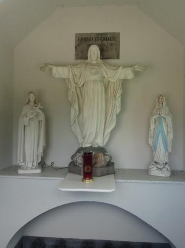 Zwalm Moldergem Interieur van kapel