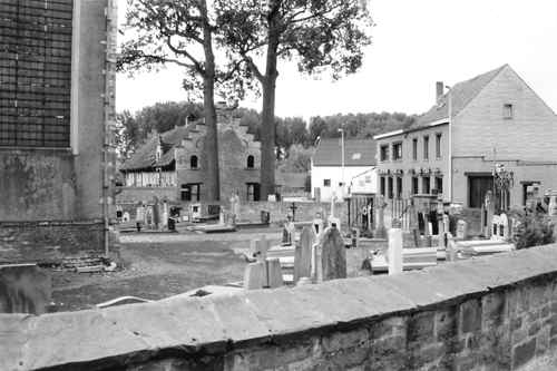 Merchtem Kasteelstraat 30 kerkhof