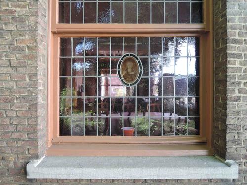 LouisStraussstraat 1, venster noordgevel