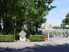 Nieuwpoort: Sluizenbrug: Naamsteen: Overzicht (https://id.erfgoed.net/afbeeldingen/2607)