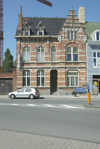 Oudenburg, Weststraat 2