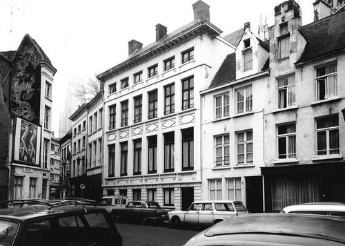Antwerpen Lijnwaadmarkt 12-14 en 16-18