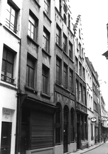 Antwerpen Wijngaardstraat 14 (midden rechts)-16 (midden links)