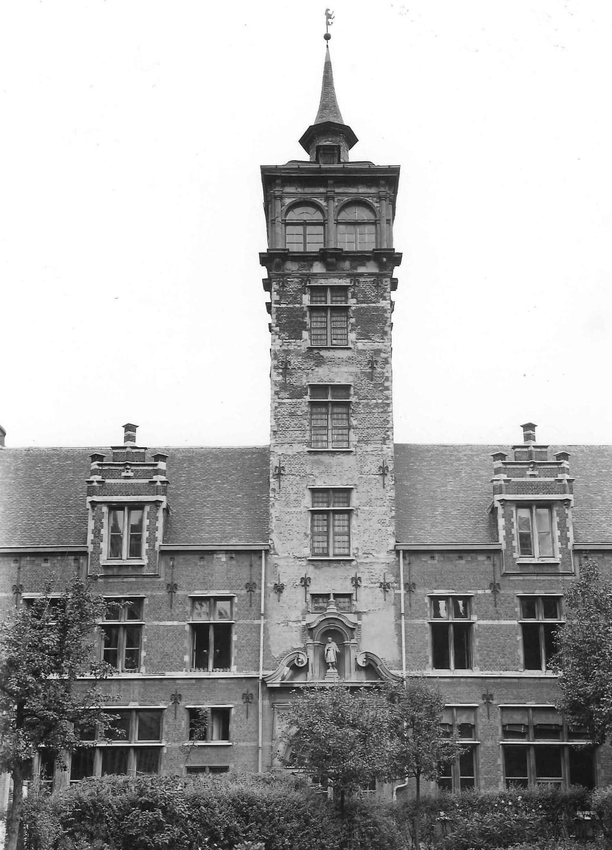 Van Straelen Tower seen from the inside